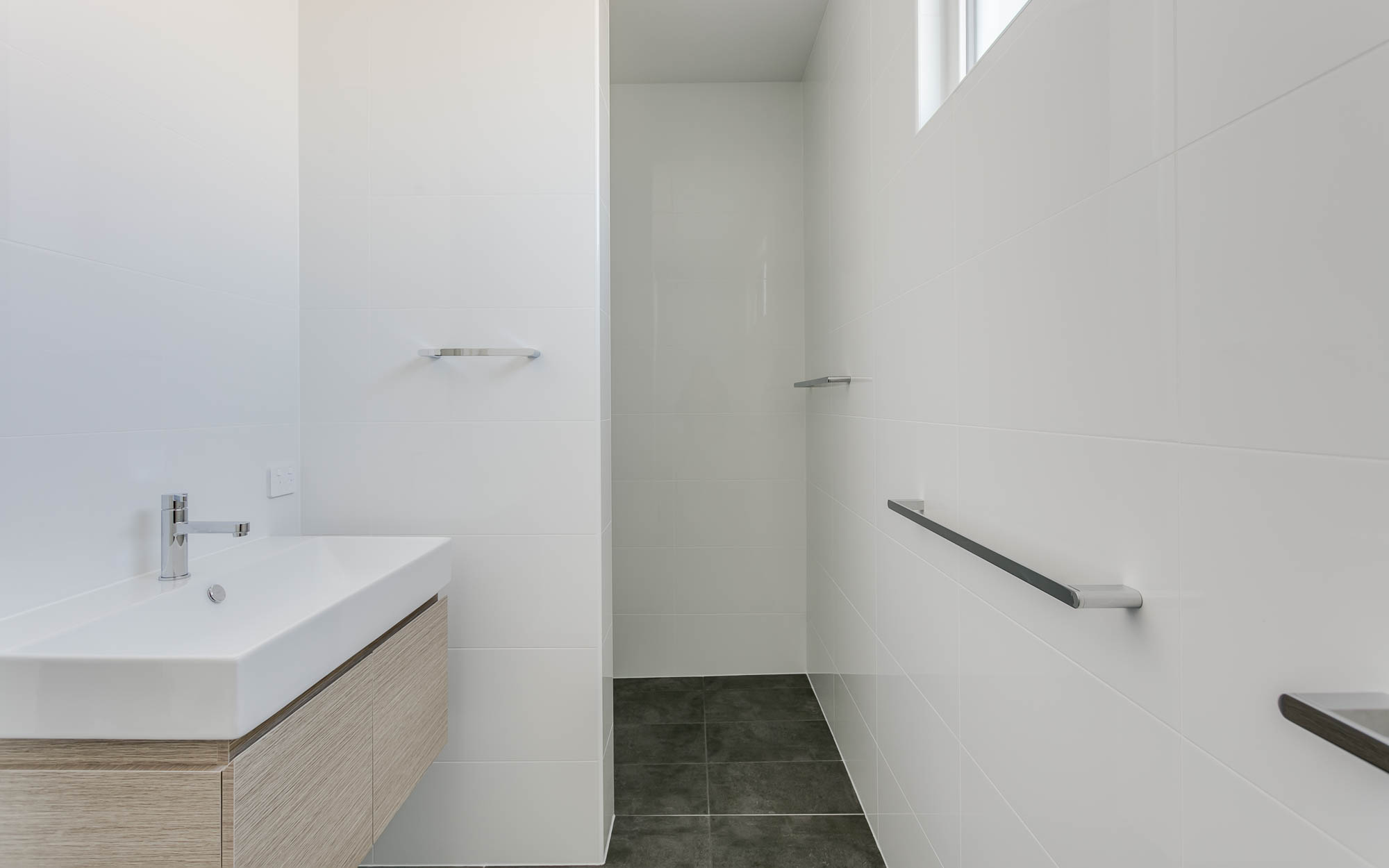 New Victor Harbor bathroom by Granite Homes